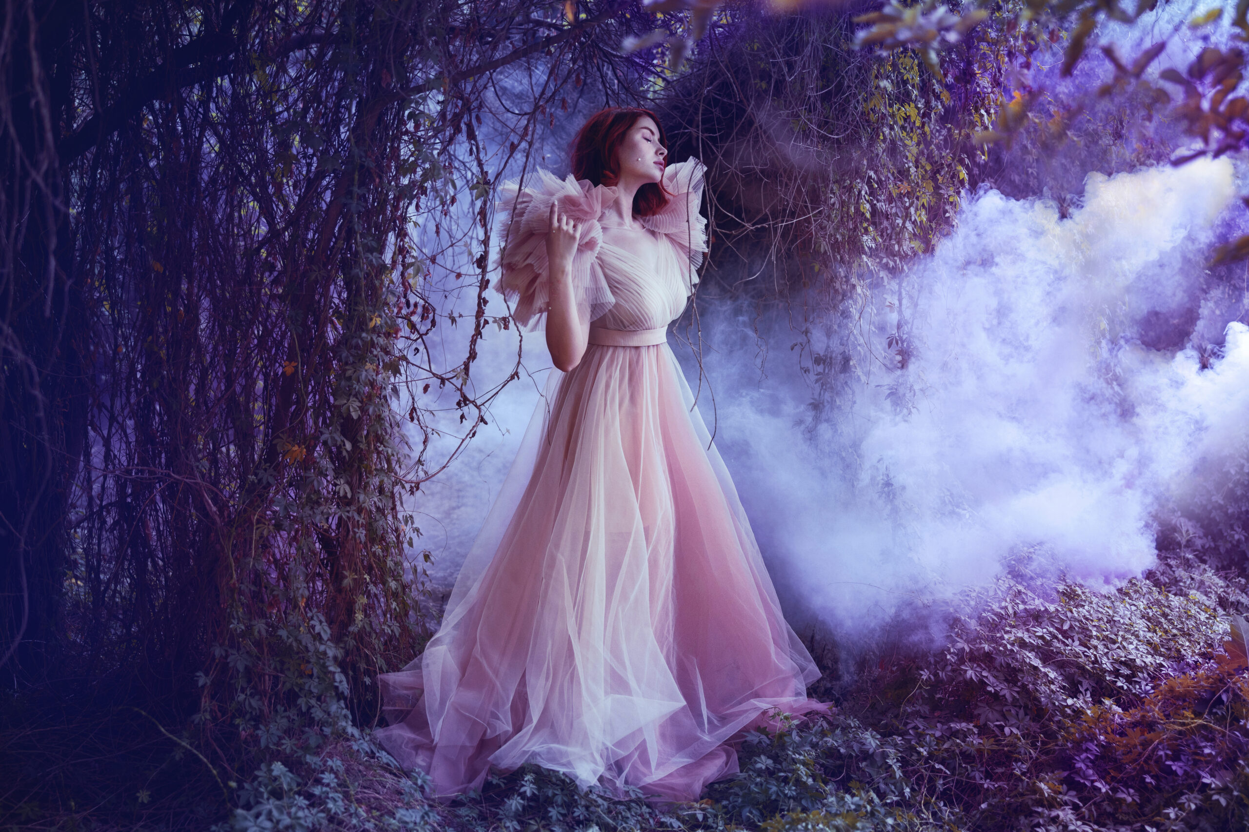 Meet Menna Hossam, the Photographer Behind the Most Enchanting Photo-Shoots You'll Ever See