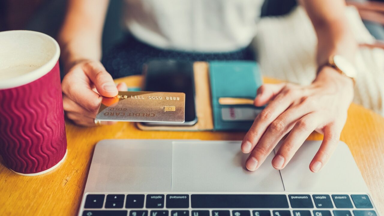 https://www.ctownchatter.com/wp-content/uploads/2021/04/Essential-guide-to-shopping-online-credit-card-purchases-1280x720.jpg