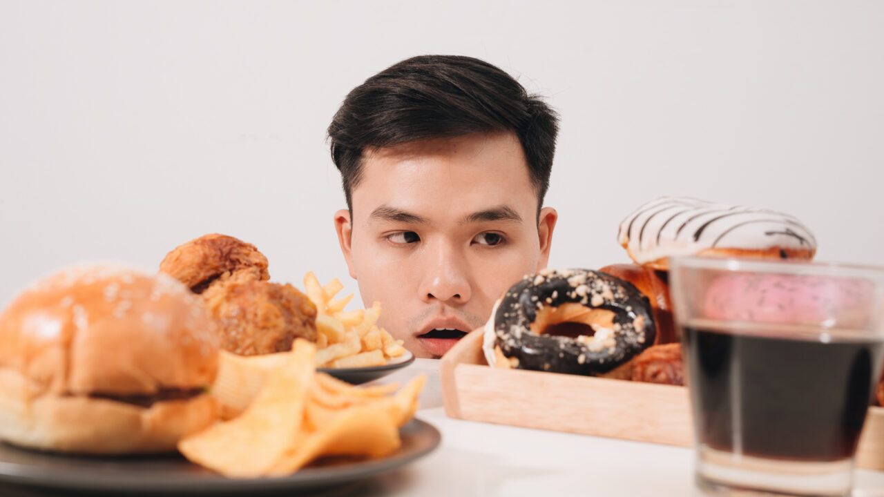 https://www.ctownchatter.com/wp-content/uploads/2021/04/how-to-outsmart-food-cravings-1280x720.jpg